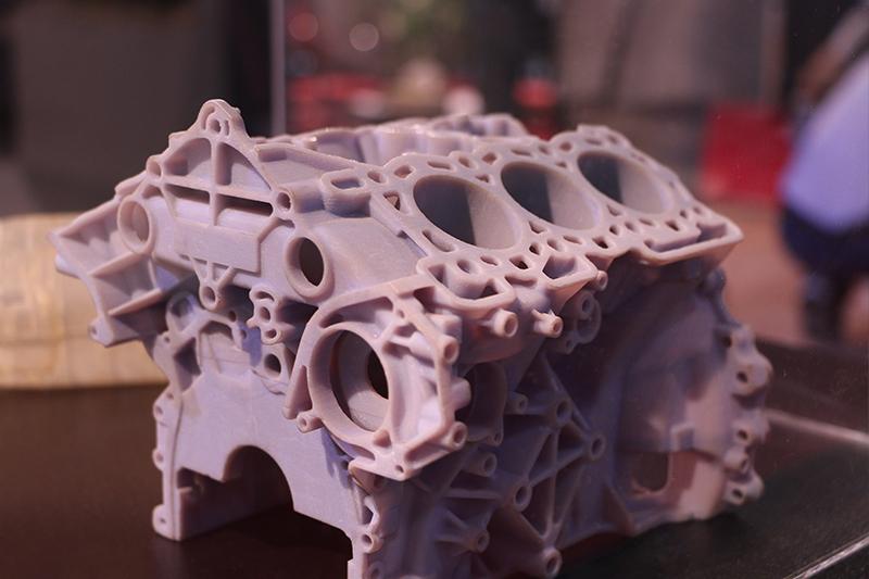موتور V شکل پرینت 3 بعدی PolyJet