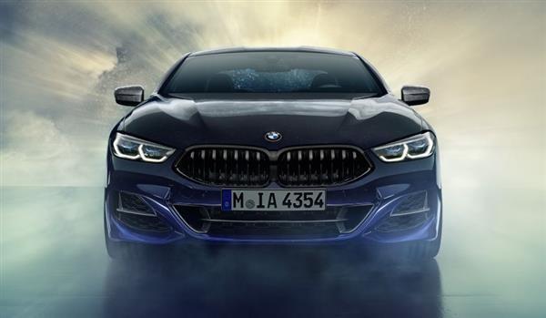 پرینت سه بعدی خودروی BMW M850i Sky Night با استفاده از شهاب سنگها