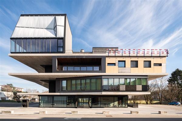 ساخت دیجیتالی ساختمانی در سوئیس با چاپ سه بعدی و رباتیک
