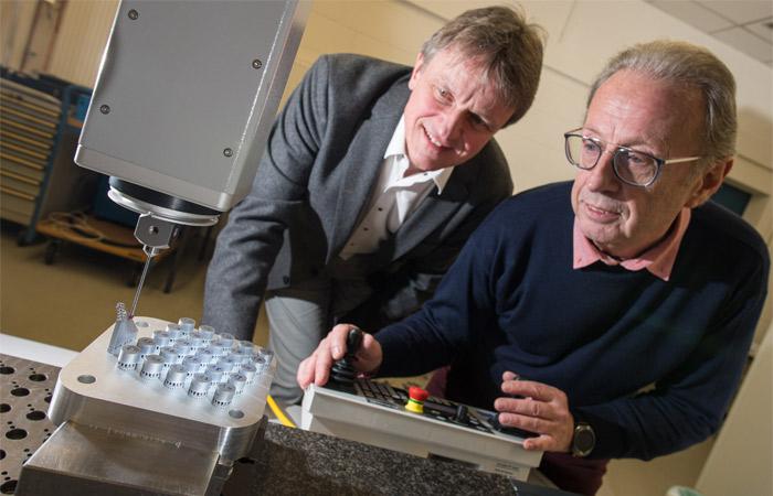 اصلاح فرایند پرینت سه بعدی فلز با استفاده از جریان الکتریکی