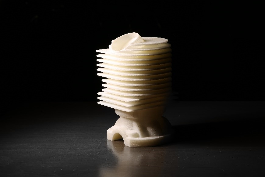 قطعه تولید شده به روش پرینت سه بعدی SLS