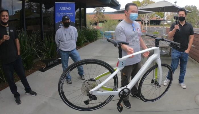 ساخت دوچرخه فیبر کربنی با استفاده از تکنولوژی پرینت سه بعدی توسط شرکت Superstrata