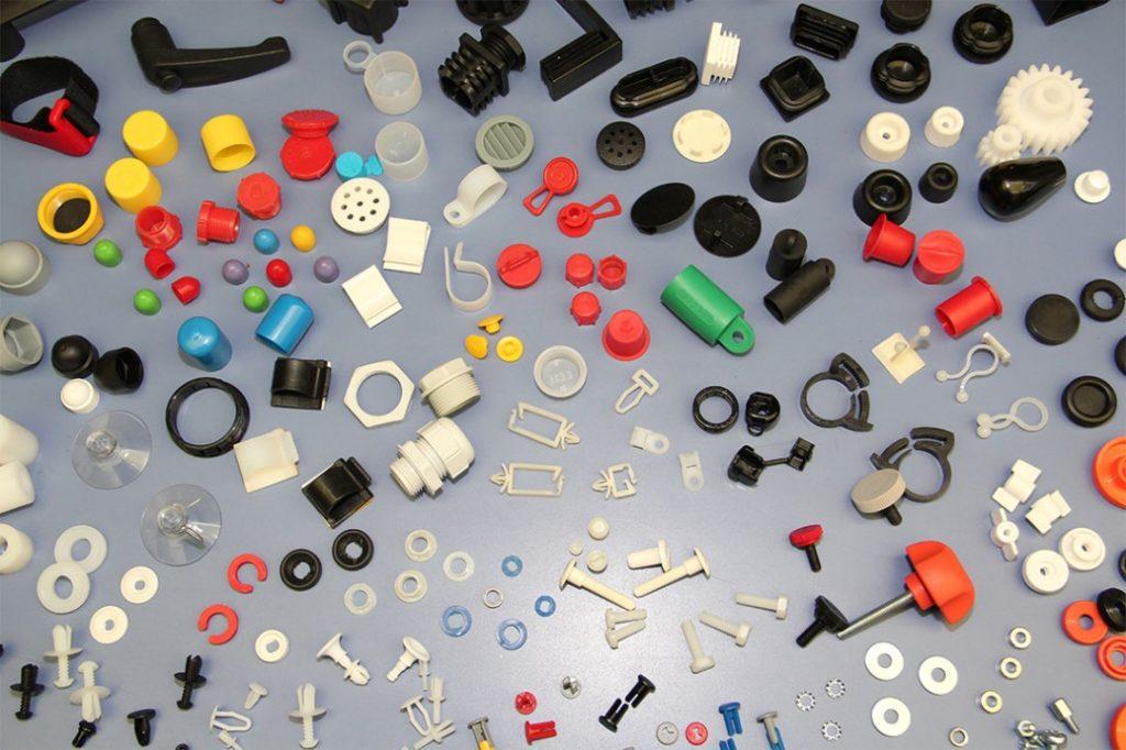 مروری بر فرایند های ساخت قطعات پلاستیکی