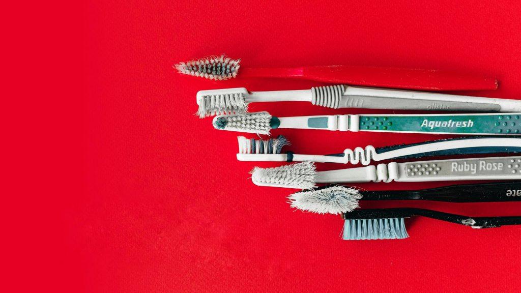 تزریق پلاستیک مجدد (overmolding) و قالب گیری اینسرتی روشی برای ساخت قطعات پیچیده